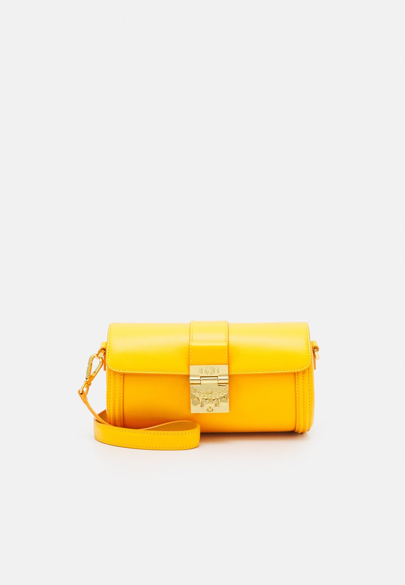 MCM - TRACY CROSSBODY SMALL - Skulderveske - saffron