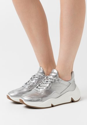 CHUNKY  - Trainers - silver