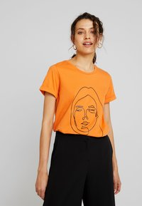 Kaffe - T-shirt imprimé - burnt orange - 0