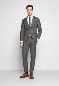 Tommy Hilfiger Tailored - SUIT SLIM FIT - Suit - grey - 0