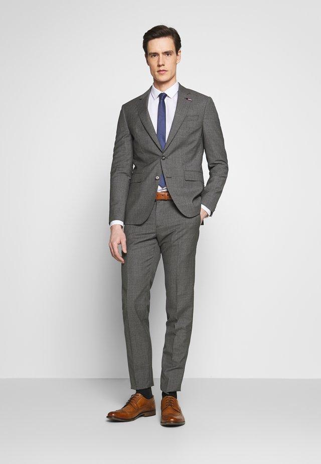 SUIT SLIM FIT - Suit - grey