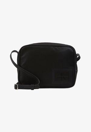 SLEEK BAG - Taška spříčným popruhem - black