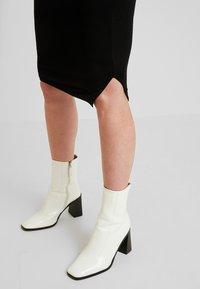Envie de Fraise - CINDY - Pouzdrová sukně - black - 4