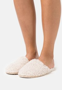 Tamaris - Slippers - beige - 0