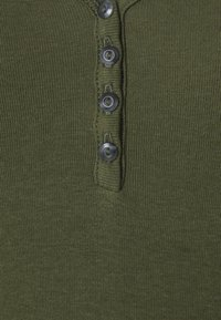 GAP - HENLEY TEE - Camiseta básica - army jacket green - 2