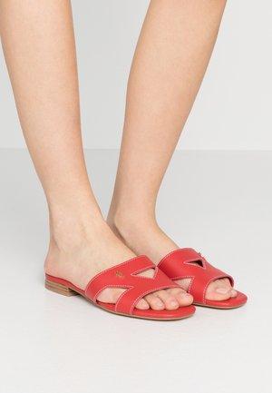 ODINA - Pantofle - red