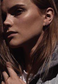 No More - DOT EARRINGS - Earrings - silver - 0