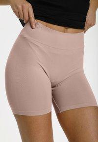 Saint Tropez - Shorts - nude - 3