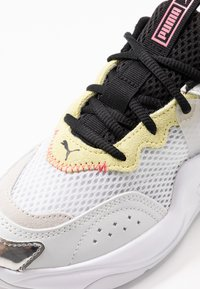 Puma - RISE CONTRAST  - Sneakers basse - white/purple heather/sunny lime - 2