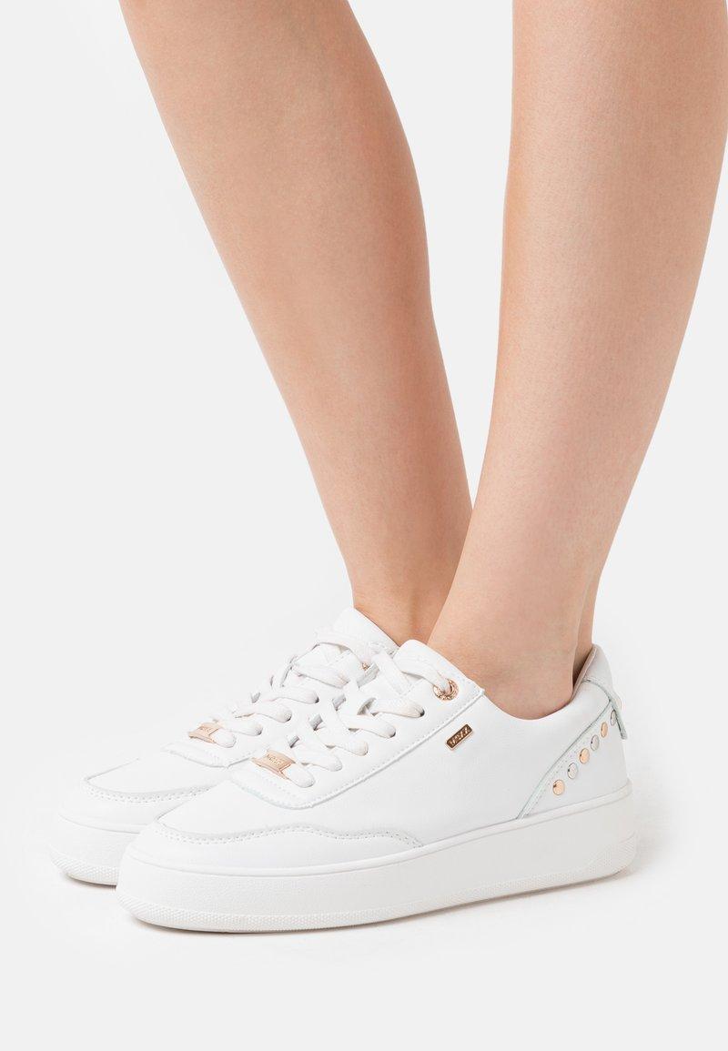 Mexx - FIEKE - Sneaker low - white