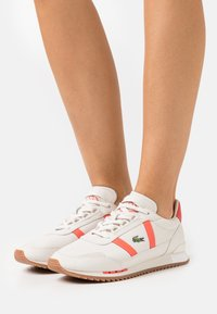Lacoste - PARTNER RETRO - Trainers - offwhite/pink - 0
