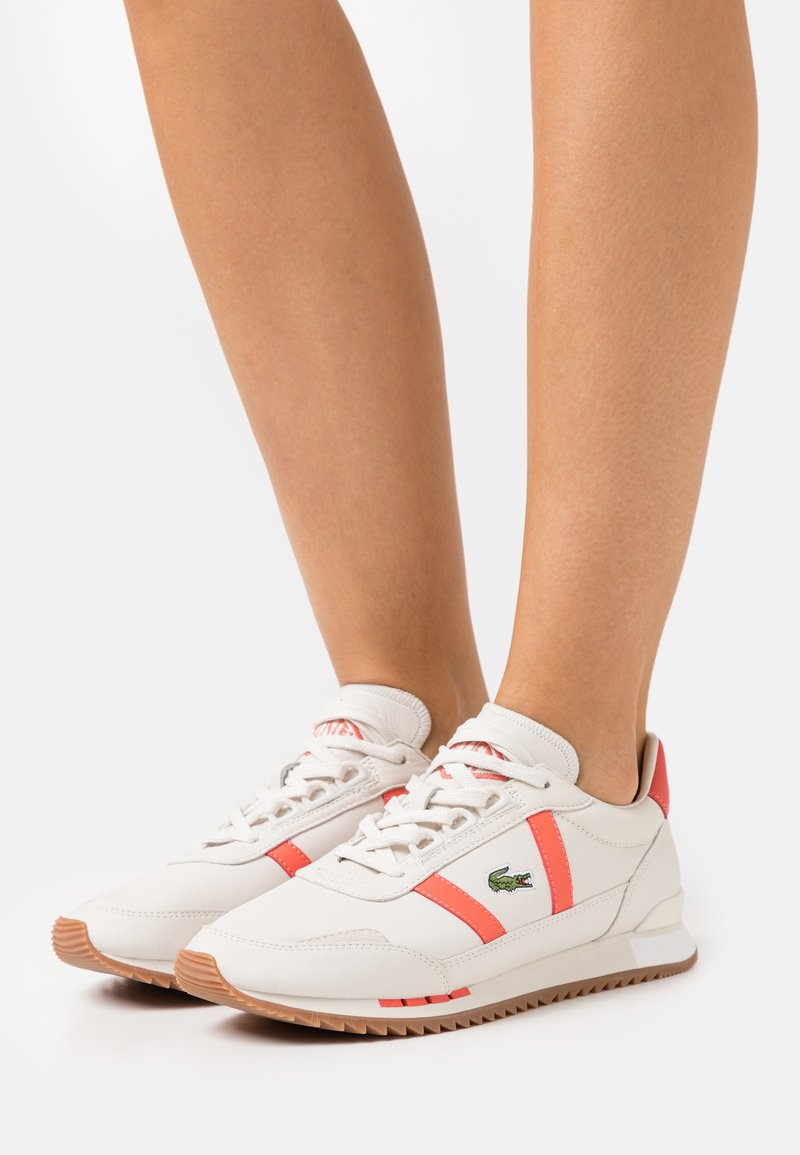 Lacoste - PARTNER RETRO - Trainers - offwhite/pink