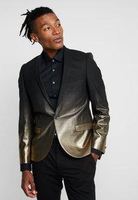 Twisted Tailor - THESEUS JACKET - Blazere - gold - 0