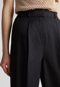 Esprit Collection - HIGH RISE CULOTTE - Trousers - black - 3