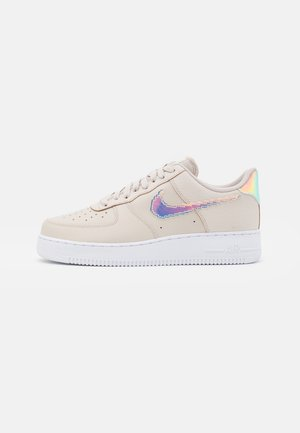 AIR FORCE 1 '07 LV8 - Sneakers basse - desert sand/multicolor/black