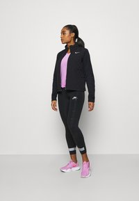 Nike Performance - AEROLAYER - Laufjacke - black/reflective silver