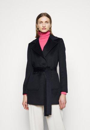 SHORTRUN - Klasický kabát - blue