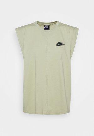 TANK EARTH DAY - Camiseta estampada - olive aura/galactic jade