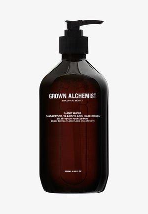 HAND WASH SANDALWOOD, YLANG YLANG, NATRIUM-PCA - Liquid soap - -
