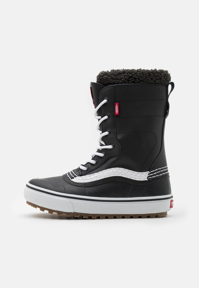 STANDARD MTE - Winter boots - black/white