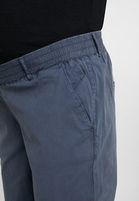 MAMALICIOUS - MLPLAYA PANTS - Trousers - ombre blue - 3