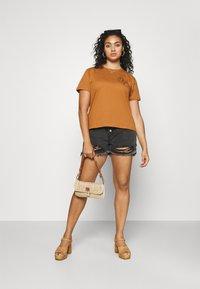Even&Odd Curvy - Print T-shirt - brown - 1