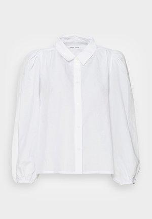 MEJSA SHIRT - Button-down blouse - bright white