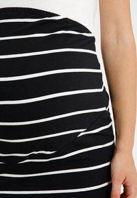 Zalando Essentials Maternity - Pencil skirt - black/off white - 4