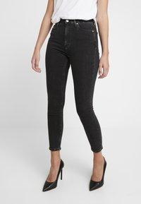 Calvin Klein Jeans - HIGH RISE - Skinny džíny - ca043 black - 0