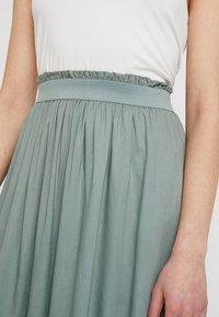 ONLY - Plisovaná sukně - chinois green - 4