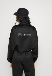 Nike Sportswear - AIR - Chaquetas bomber - black/white - 2