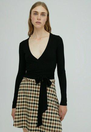 SABRINA - Long sleeved top - schwarz