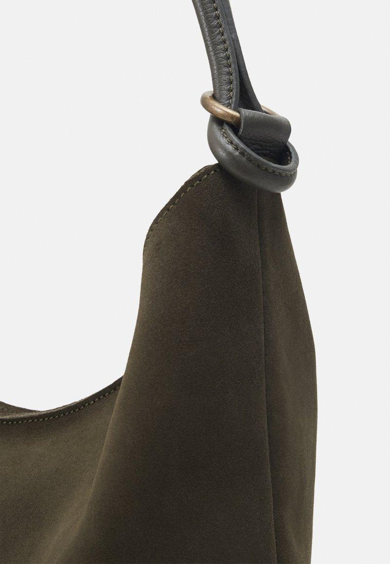 Zign LEATHER - Shoppingväska - khaki