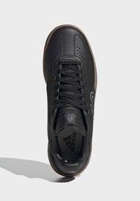 adidas Performance - FIVE TEN SLEUTH DLX MOUNTAIN BIKE SHOES - Cycling shoes - black - 1