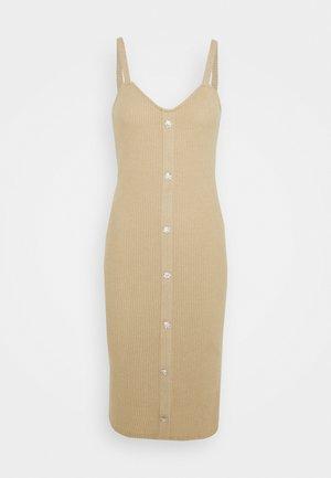 VMTIA BUTTON CALF DRESS - Strickkleid - travertine