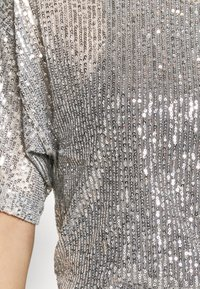 Gina Tricot - RUDY SEQUINS - Bluser - silver - 5