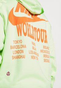 Nike Sportswear - HOODIE - Luvtröja - liquid lime - 3