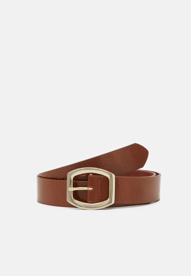 Belt - chestnut