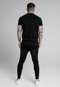 SIKSILK - LION TEE - T-shirt med print - black - 2