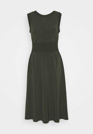 CREATIVO - Vestido ligero - khaki green