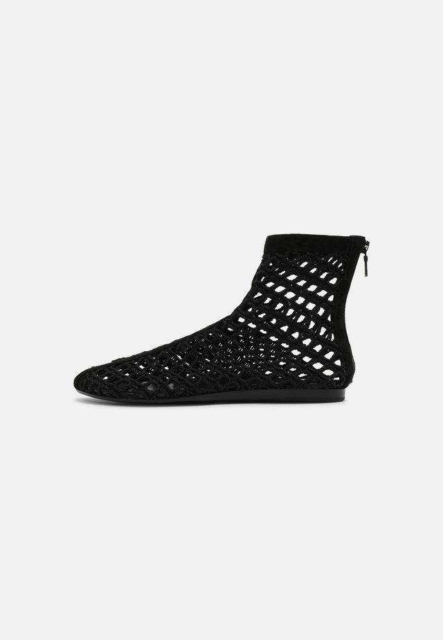 ANSLEY - Korte laarzen - black