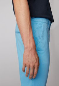 BOSS - REGULAR FIT - Trousers - turquoise - 3
