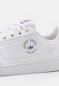 adidas Originals - NY 90 UNISEX - Tenisky - footwear white - 5