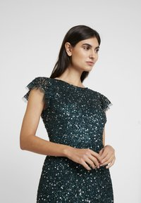 Maya Deluxe - ALL OVER EMBELLISHED DRESS - Occasion wear - emerald - 4