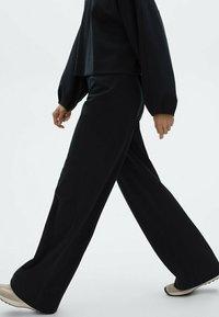 Massimo Dutti - Trousers - dark blue - 2