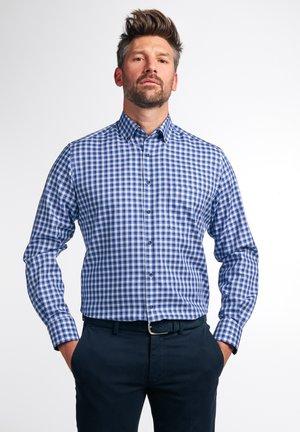 MODERN FIT - Overhemd - blau/weiß