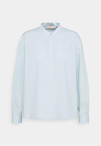 POPLIN PLEATED - Skjorte - spring blue