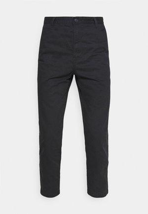 XX STAY LOOSE TAPER CROP - Trousers - caviar