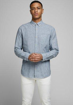 SLIM FIT  - Skjorta - whisper white
