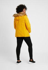 New Look Curves - MAISIE FITTED PUFFER - Vinterjakker - mustard - 2